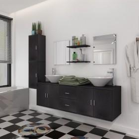 trīs koferi ar riteņiem, melnā krāsā
