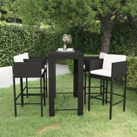 trīs koferi ar riteņiem, sudraba krāsā